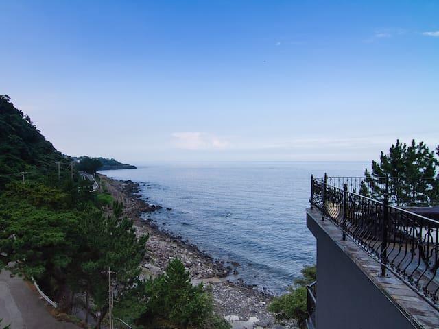 Ocean View & Natural Hotsprings in UNESCO Geosite