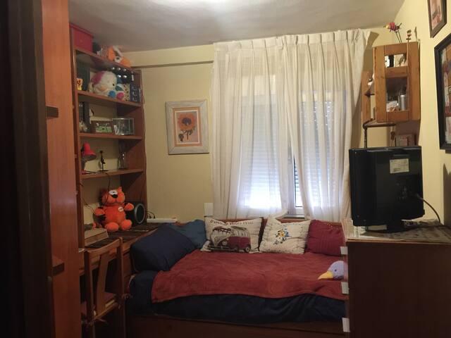 Alquilo Bonita habitación en piso compartido