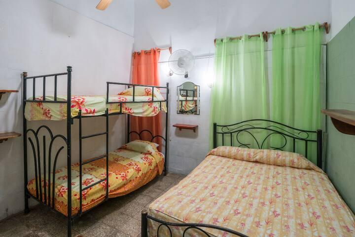 Imagen de la habitacion. Excelente confort y preparada para 3 huespedes. Image of the room. Excellent comfort and prepared for 3 guests