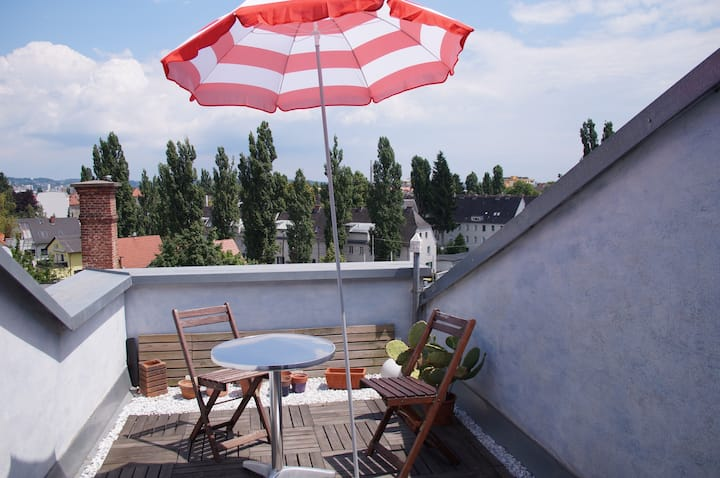 Roof apartment 80m², 2-4 persons, with sun-terrace