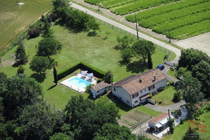 A la piscine en campagne
