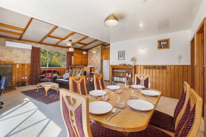 Sunny open plan living, dining and kitchen area