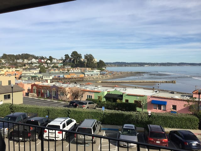 Capitola Condo with Fantastic Views