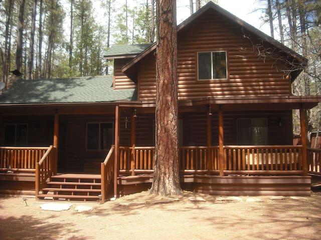 Cabin getaway in Christopher Creek - Payson - Blockhütte