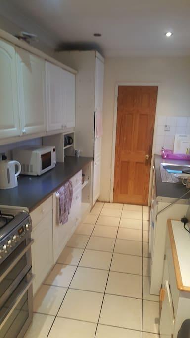 1 Bedroom In 4 Bedroom House In Walthamstow
