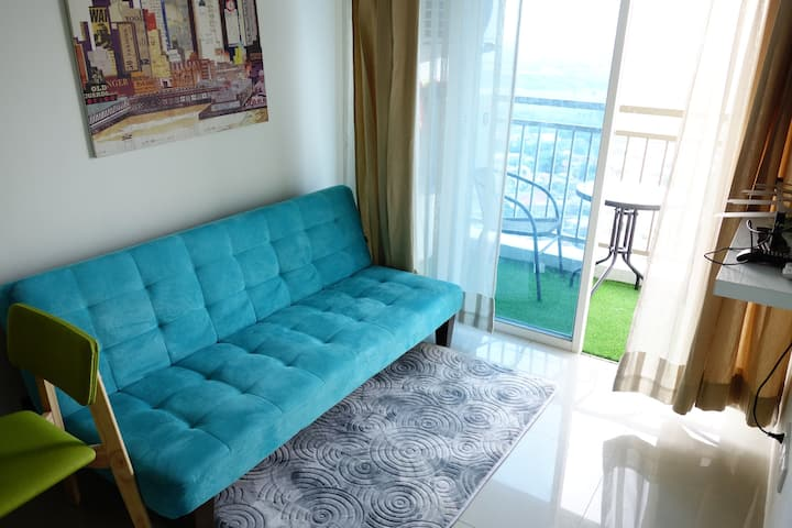 Superior 2 BR apartment on top of Pakuwon Mall