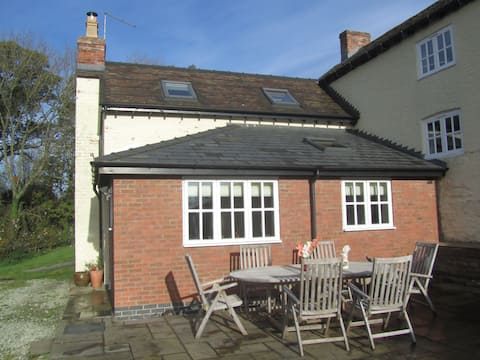 Lilac House,Forden,Welshpool,Sy21 Near Montgomery
