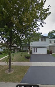 COLONIAL HOUSE NEAR OLD ORCHARD SHOPPING MALL - Skokie - Huis