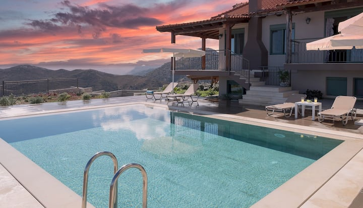 Villa Eolos with private pool
