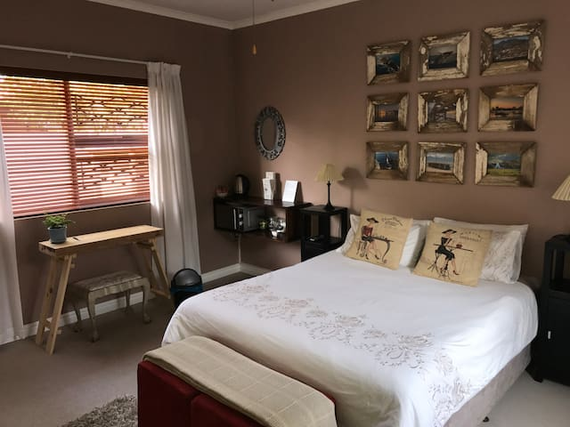 Comfortable room in the heart of the Western Cape