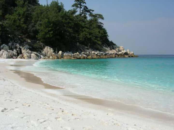 Thasos Deluxe Seaside Retreats in Grecian Sea