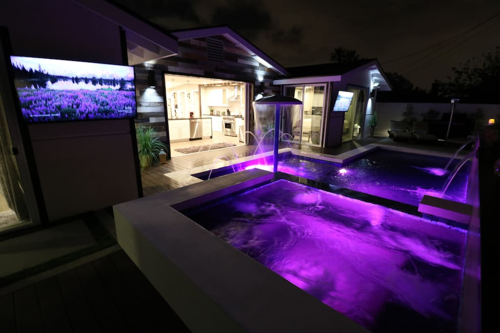 Luxury 6 bdrm resort w water park houses for rent in for King s fish house anaheim