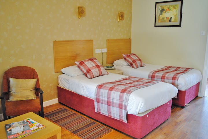 Twin Ensuite Room @The Marsham Arms