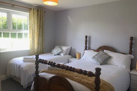 Twin Room En-suite close to beach