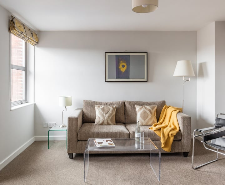 Twin One Bedroom Apartment at The Ropewalk