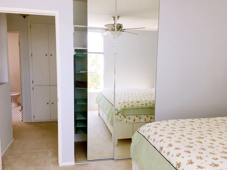 Spacious Bed&Bath, Cal King Bed