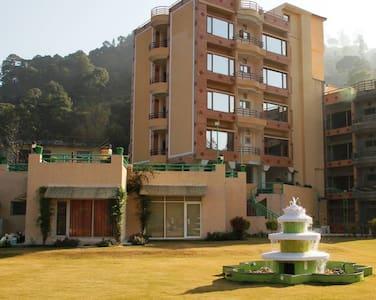 2 BedRoom Apartment|Balcony |Ayurveda Massage| - Solan - Butikhotel