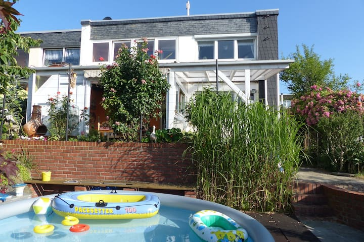 Cozy Apartment with Private Swimming Pool in Wuppertal