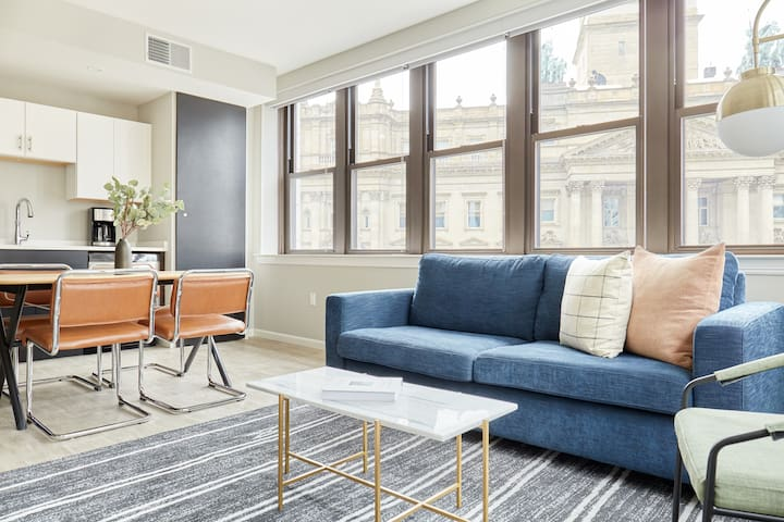 Sonder | The Randolph | Bright 2BR + Sleeper sofa