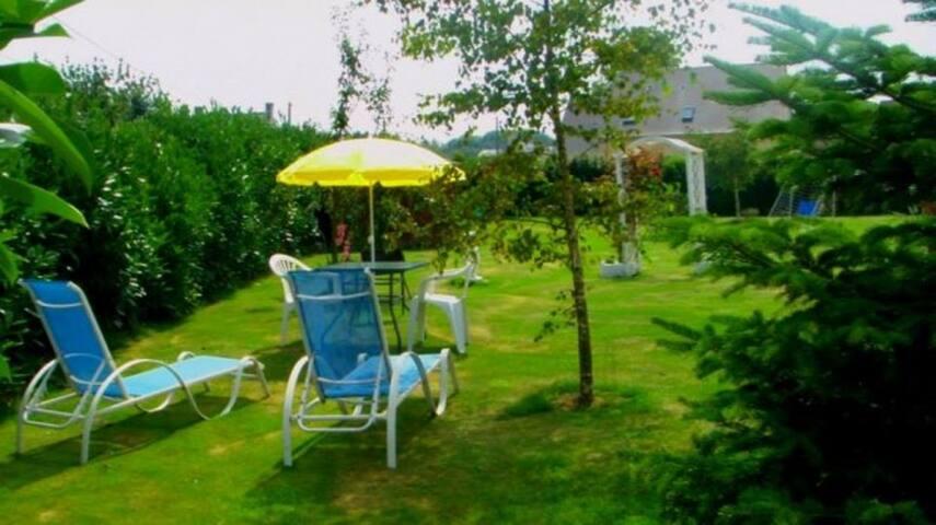 Studio avec jardin privé  à 3km de la mer/plages - Maisons - House