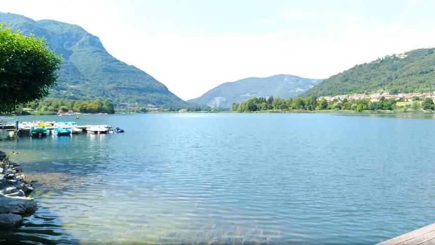 Stupendo monolocale vista lago di Endine