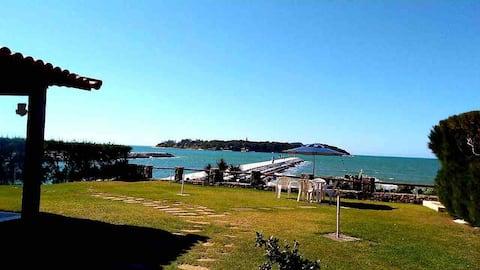 Linda Casa na Praia e próxima a Marina de Búzios