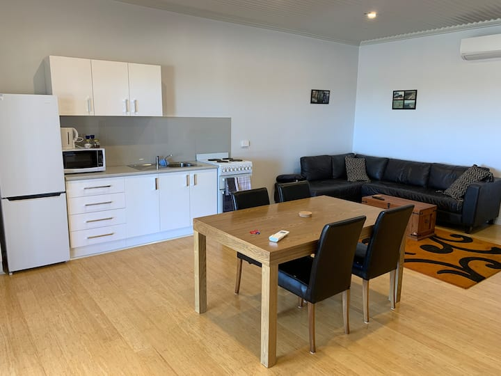 Swan Valley Heights Holiday Accommodation - Studio