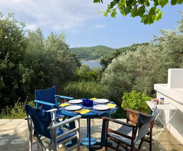 Studio 1 minute to beach, Skiathos
