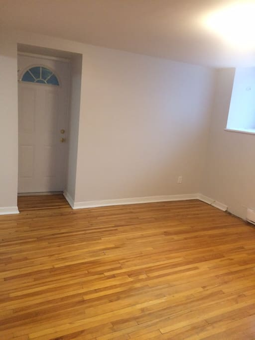 Main area- bright spacious room with hardwood