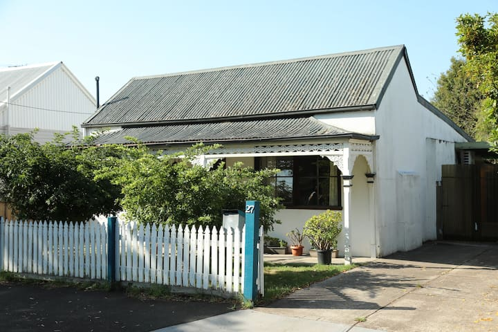 Williamstown's Hidden Treasure - Fernview Cottage