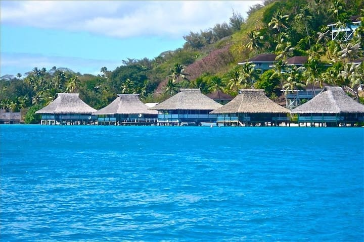Brando's World Famous Over Water Bungalow! - Bora Bora - House