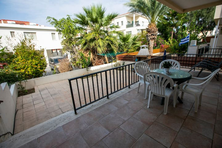 CyKing! Deluxe Apart. Private Backyard, 2 pools