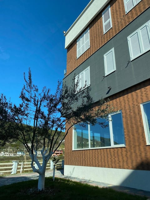 Seaview apartment in Gjiri i Lalzit Beach