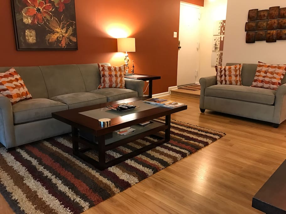 Welcoming sofa with loveseat (pull out bed)