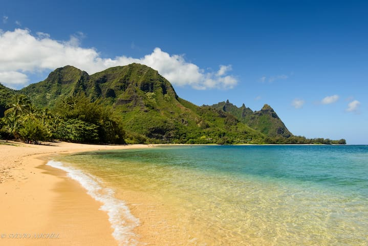 NEW!! Haena Home - steps to secluded beach - Hanalei - Ház