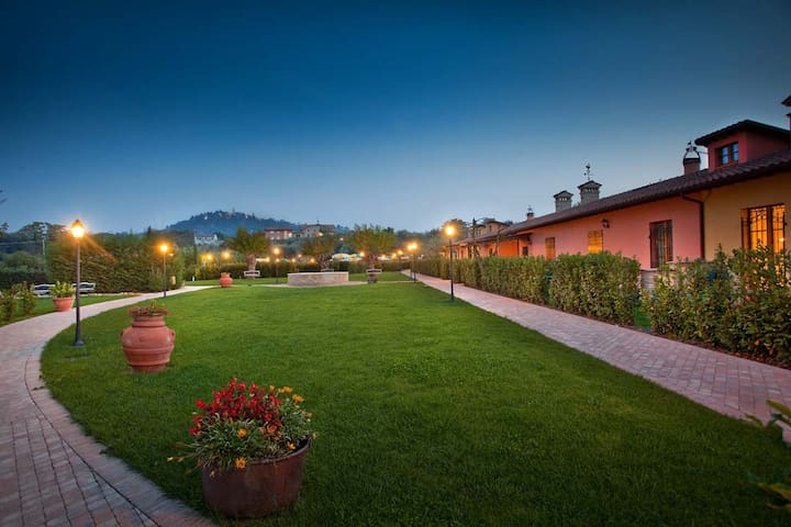 B&B in Country house con piscina. - Montemaggiore al Metauro - Bed & Breakfast