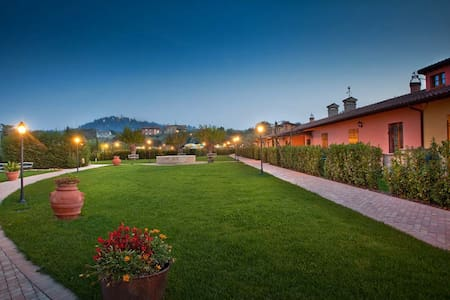 B&B in Country house con piscina. - Montemaggiore al Metauro