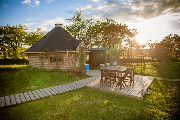 Bilberry Yurt just for 2 with wood fired hot tub - Cauldon - Yurt