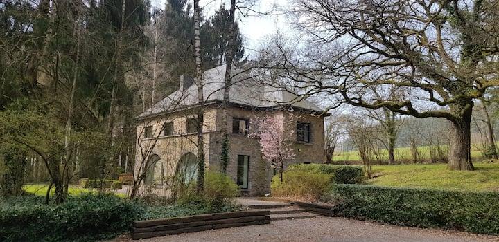 Villa au milieu des épicéas - Portail des Ardennes