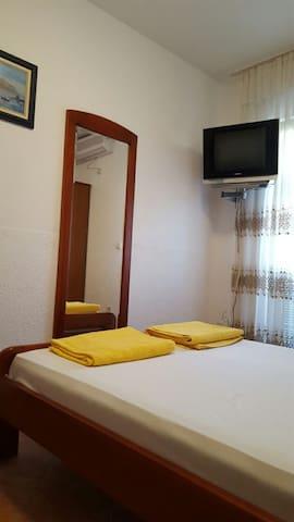 30 M from Beach Villa Vjera 3x Bed - Petrovac na moru, Montenegro - Apartamento
