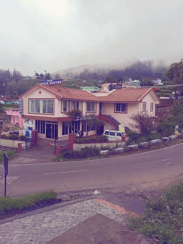 Peaceful and silent place for couple near ooty