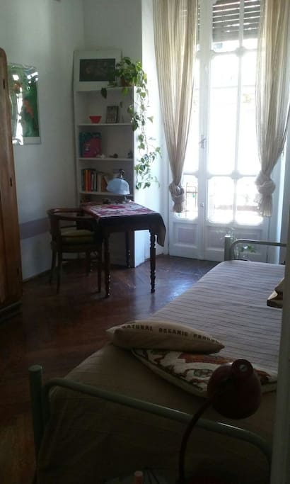 camera doppia con scrittoio