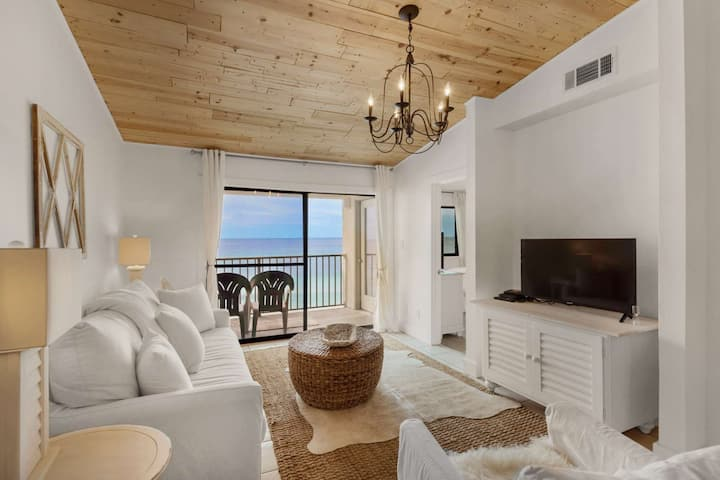 10% off Winter Discount/Beautiful 30A Beach Front Condo/Amazing Views/5min Bike Ride To Seaside/Pool