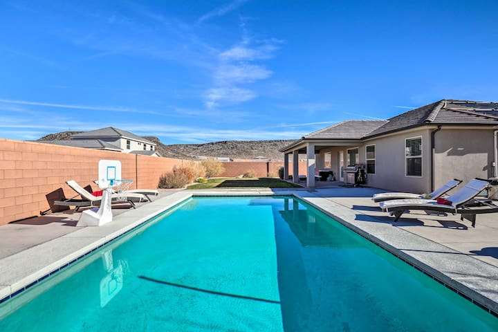 Hurricane Home w/ Private Pool, Mtn Views!