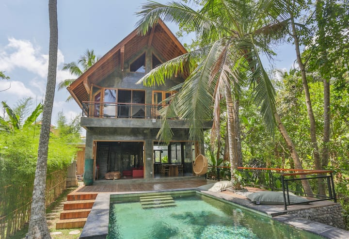 Instaworthy Views - Stunning Jungle Villa