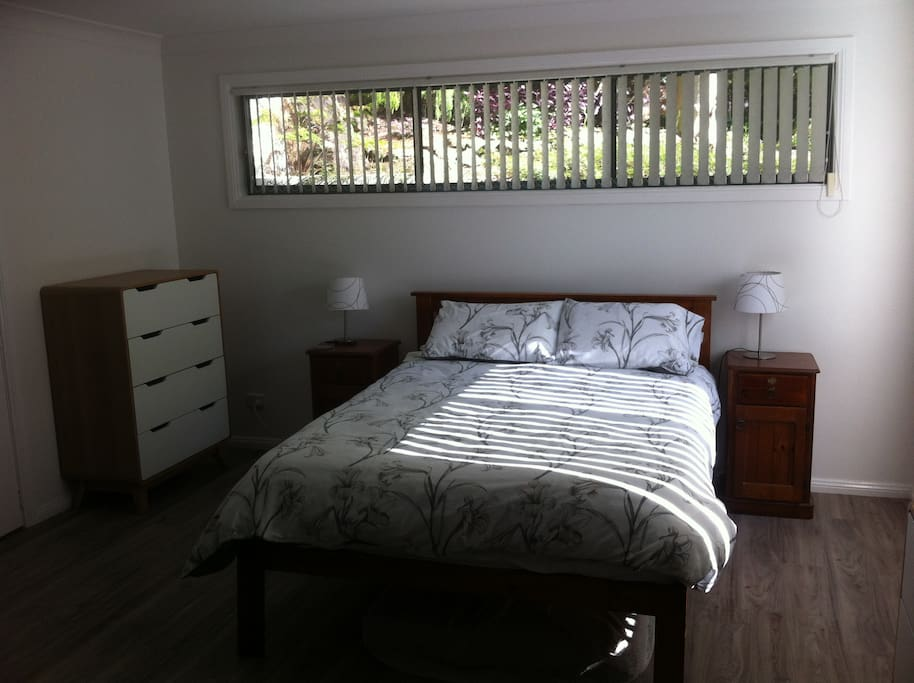 outskirts of sydney bush and beach bed and breakfasts for rent in heathcote new south wales. Black Bedroom Furniture Sets. Home Design Ideas