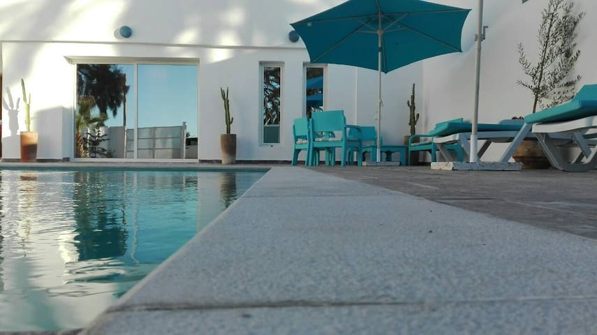 La villa Blue à 100 mètres de la plage