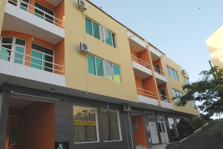 Clean, comfortable rooms for rent - Praia - Bed & Breakfast