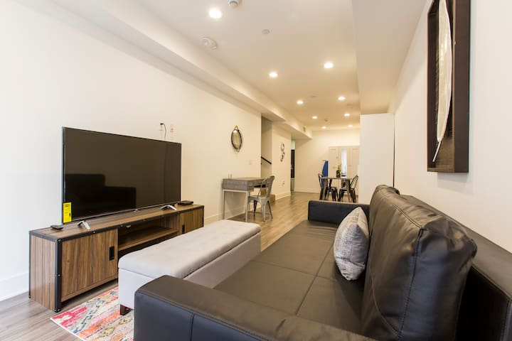 DUPLEX 1 BEDROOM IN THE HEART OF HOLLYWOOD