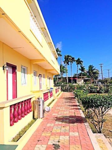 塞班公寓一室一厅98美元一月28到二月3 号两室一厅六人168美元 - Rhodes